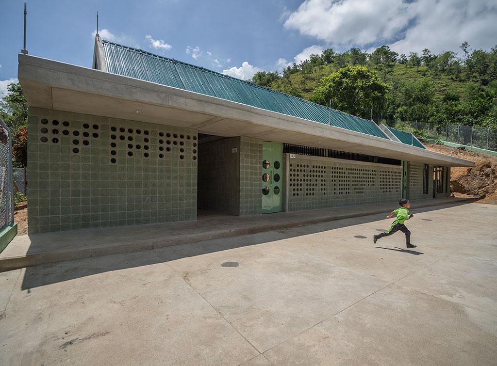 (14)ColegiosMontebello_MG_8805-Pano.jpg