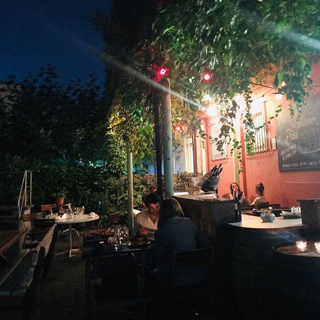 Unser Garten ist perfekt für deinen Date-Abend! 🥰💛 Heute wieder offen ab 18.00 Uhr. Reservationen an info@zumgoldenenfass.ch • • • #goldfass #love #loveisintheair #züri #k4 #restaurant #romantisch #sweet #datenight #truelove