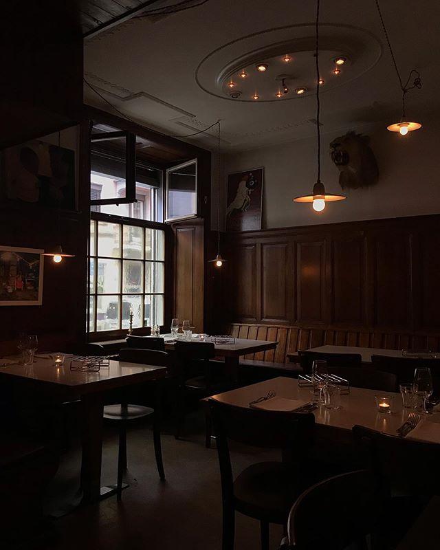 Heute wieder ab 18.00 Uhr für euch da mit Entrecôte, Forelle & co.! Gibt es einen besseren Ort als unser Fässli um freitags Essen zu gehen? Gestärkt dann gleich ins geliebte Langstrassen-Getümmel! 😻💥 • • • #goldfass #kreis4 #restaurant #usgang #züri #langstrasse #k4 #zuki #bar3000 #longstreet #piranhabar #dante #totalbar #gonzo #bagatelle #oléolébar #lambada #acid #fattony #chreischeib