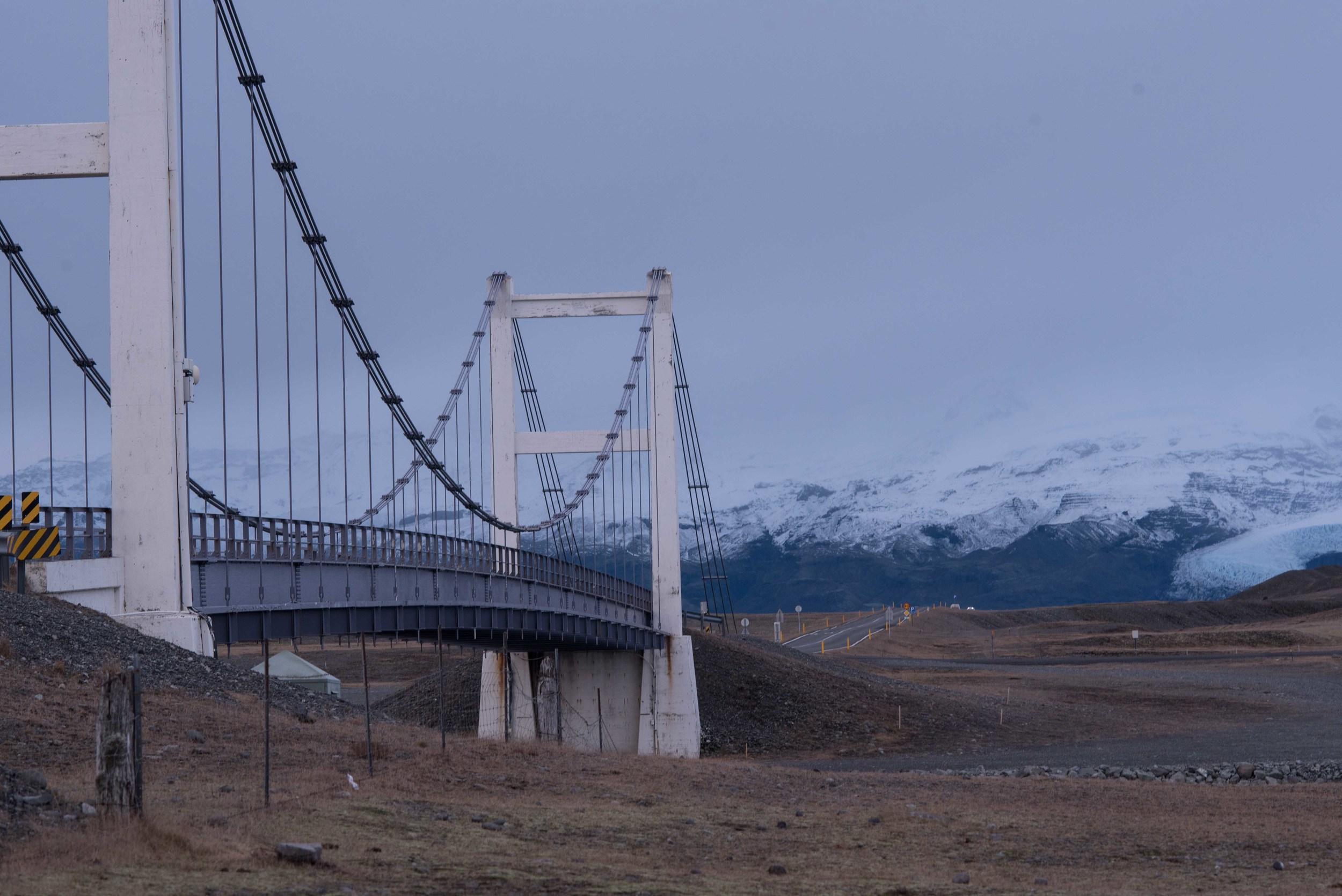 Bridge befare Glacial Lagoon.jpg