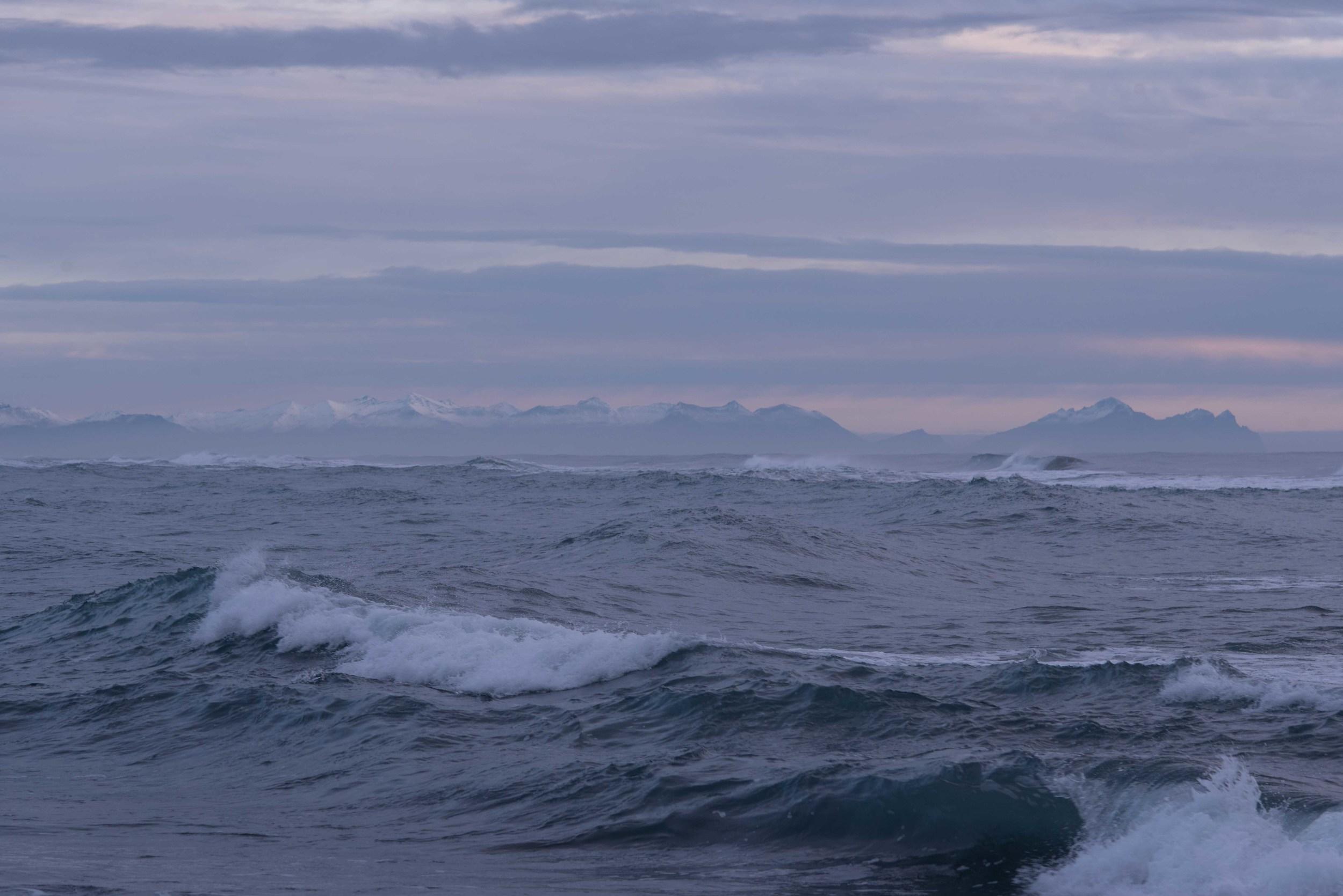 Waves in low contrast.jpg
