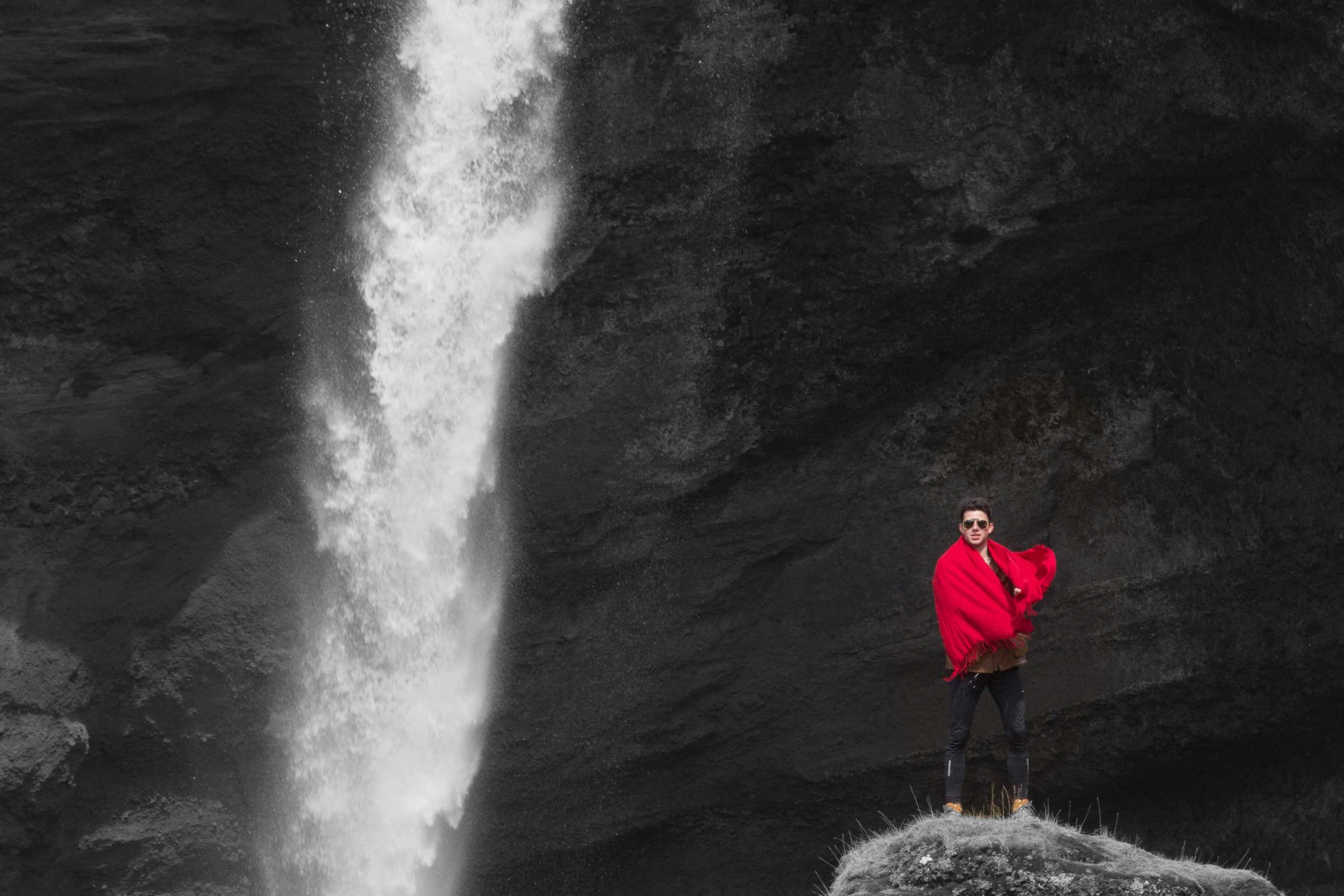 Joe Shutter Bloggar Photographer Iceland Waterfall Photoshoot-17.jpg
