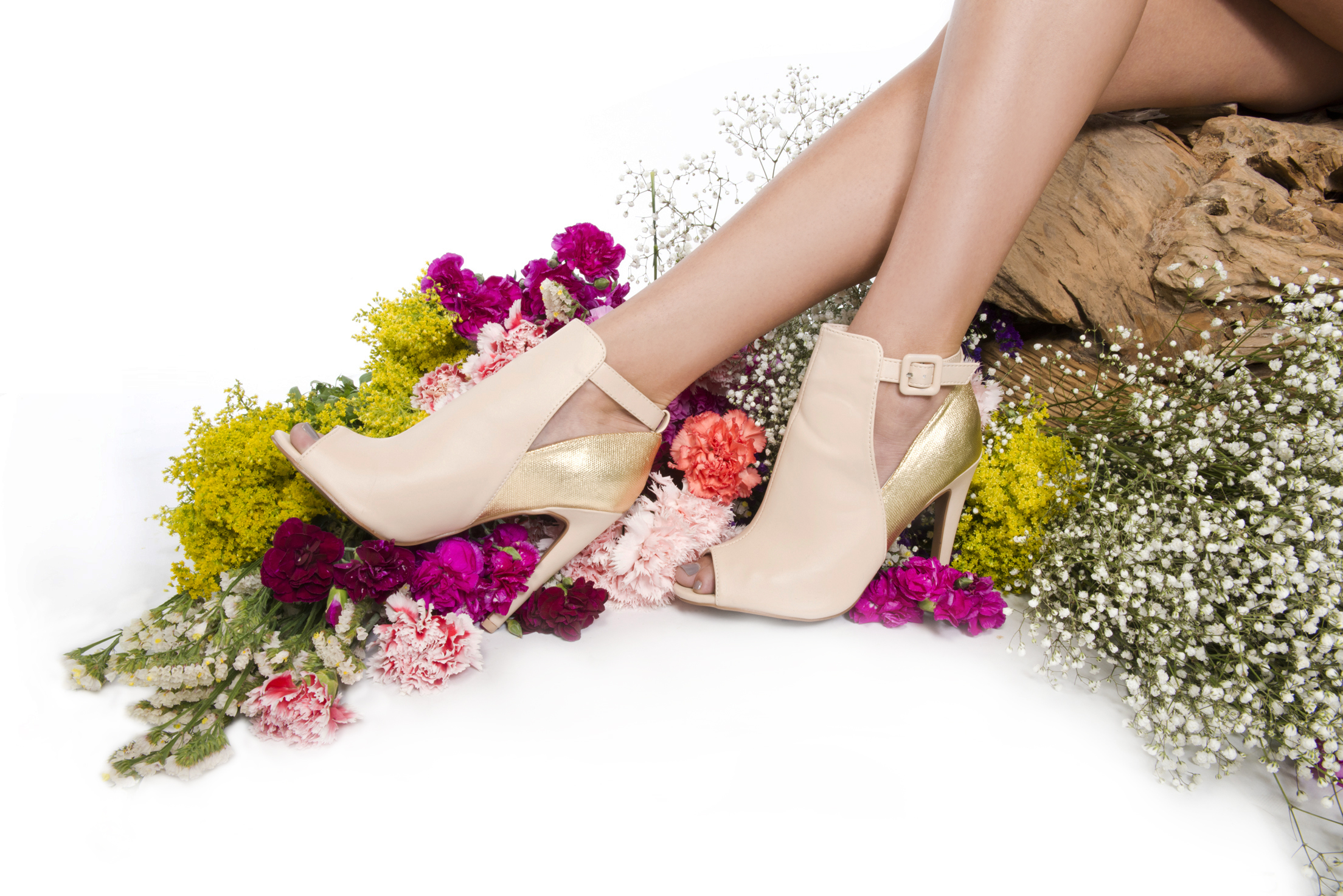 main_banner_shoes_flowers2.jpg