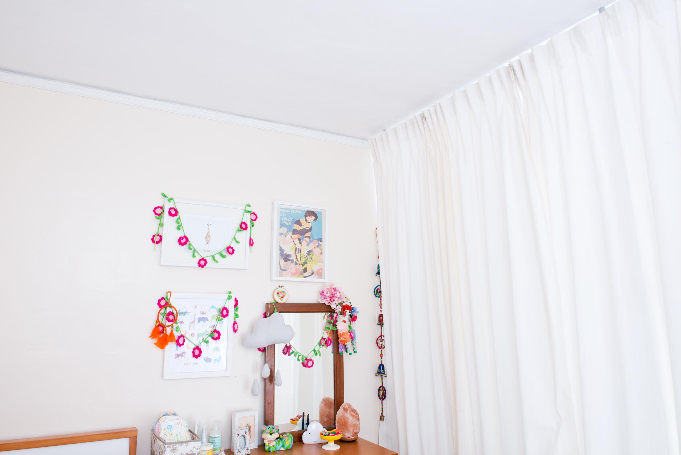 Laura-bear-bedroom-sharing-04.jpg