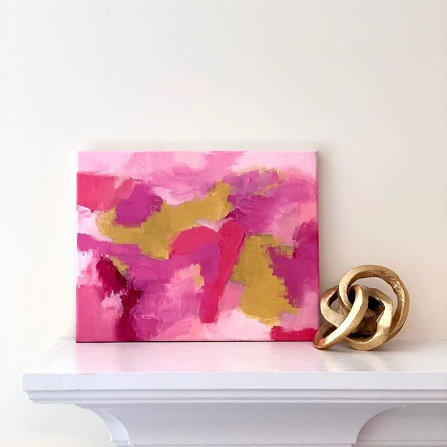 I love pink and gold! I love them separately and together. Earlier this week, someone told me my aura was pink, and she told me that without ever having seen my work. Did she make a lucky guess or is there something to it? 💕 . DM me and I'll add you to my newsletter so you'll be the first to know about upcoming releases and show! 💌 . This painting is available on my website. Link in bio. . . . . #Chloemeyerart #interiorstylist #smmakelifebeautiful #myhomestyle #interiorlove #vogueliving
