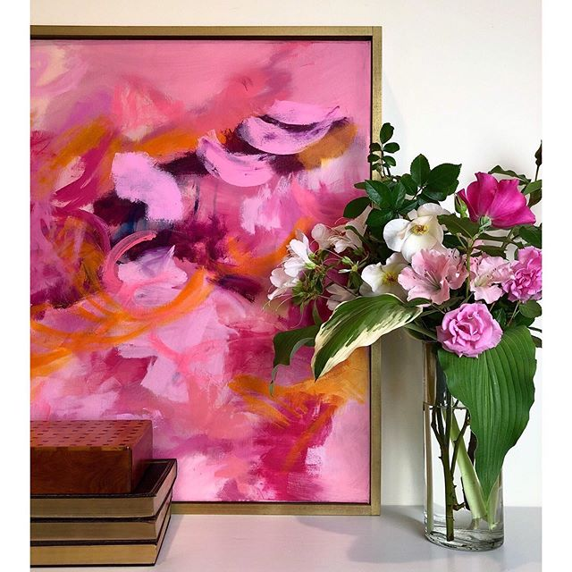 In my dream life, I have fresh flowers in every room of my house, every day of the year. 💐 How about you? 💕✨💫 . This original abstract oil painting is available on my website. Link in profile. Always feel free to DM me questions too! 💕 I hope you have a blessed day! . . #interiorlove #interiorstylist #myhomestyle #smmakelifebeautiful #vogueliving