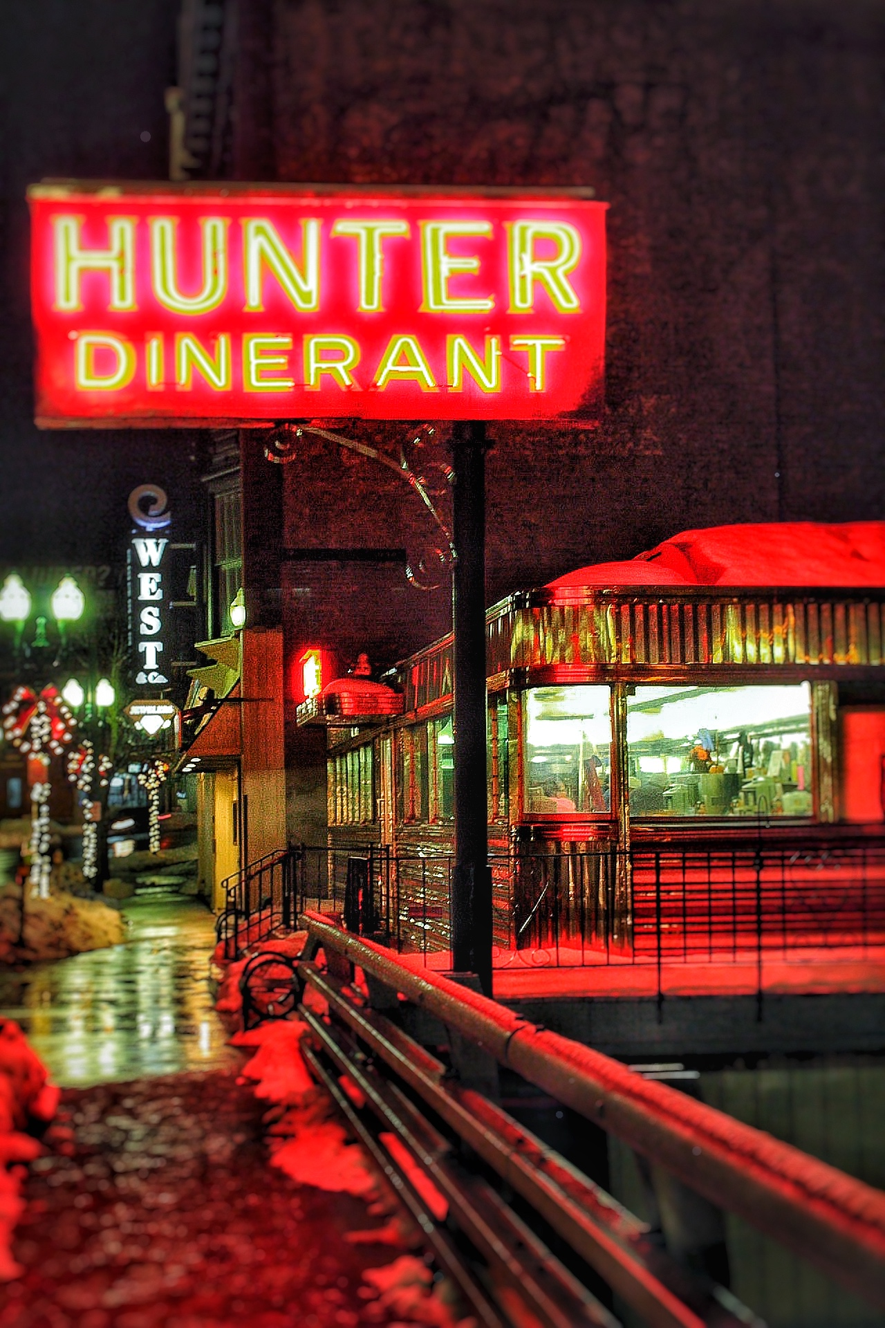 Hunter's Diner.jpg