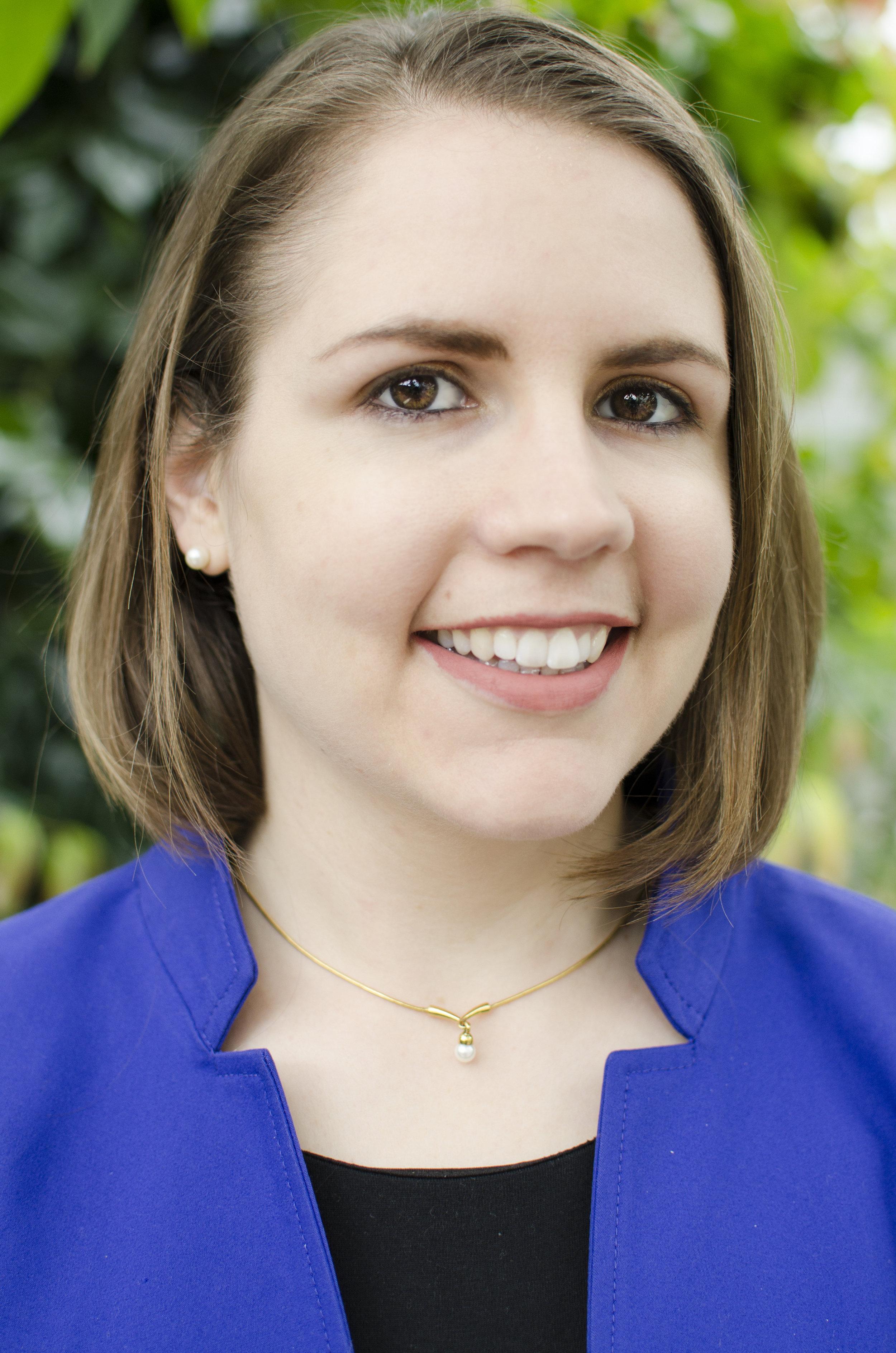 Laura Drescher headshot portrait.jpg