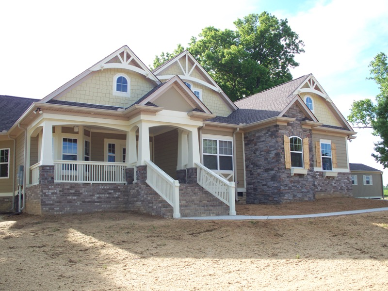 CUSTOM CRAFTSMAN   (34 images) - Sherlock built in the classicCraftsman style.