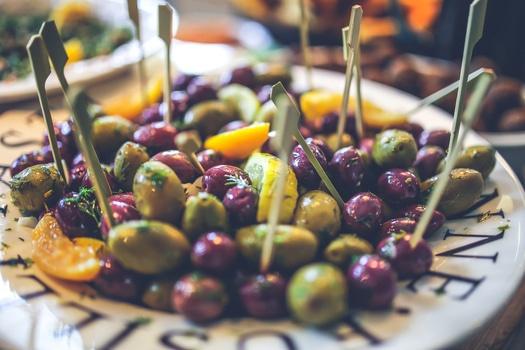 food-salad-healthy-black-medium.jpg