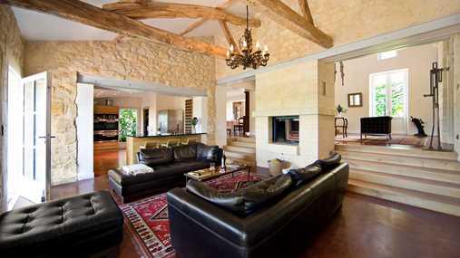 villa living room.jpg