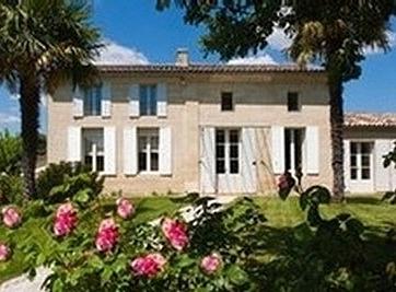 villa front.jpg