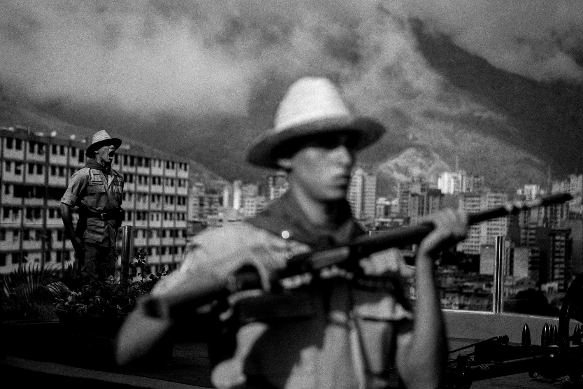 Le Monde: Colére noire á Caracas