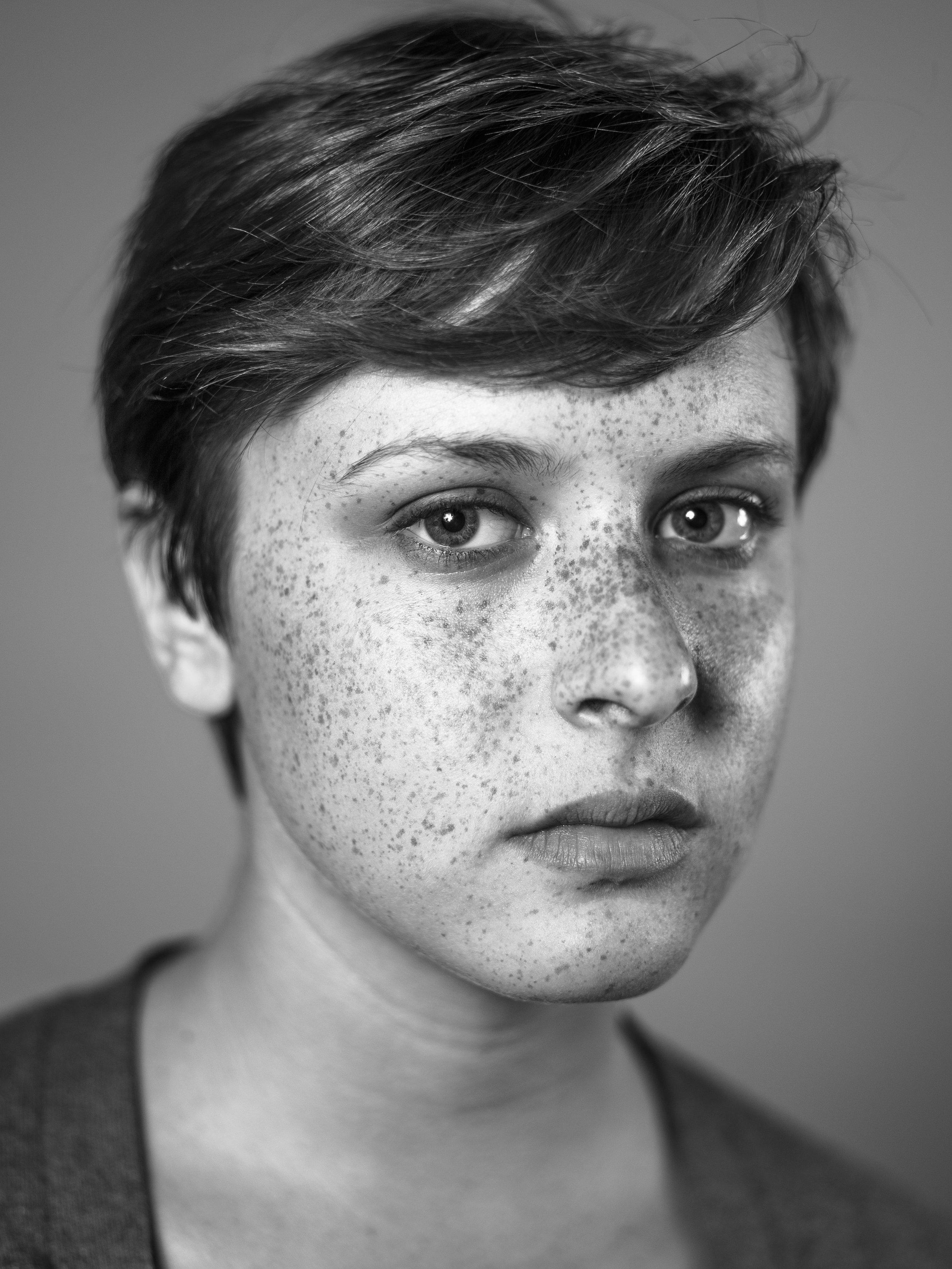 portrait 71822-2.jpg