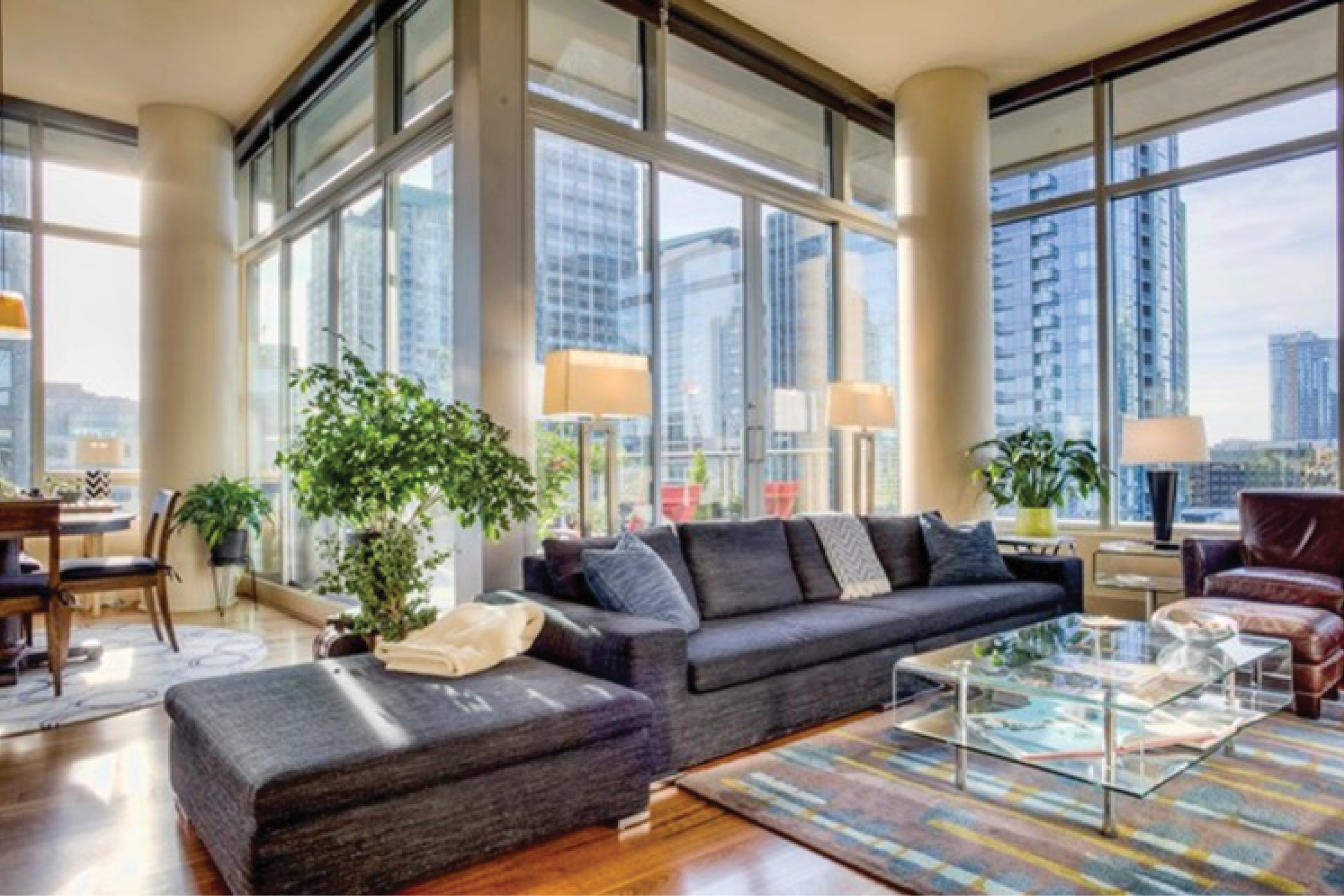 Downtown Seattle    Sold for $1,175,000 March 2017