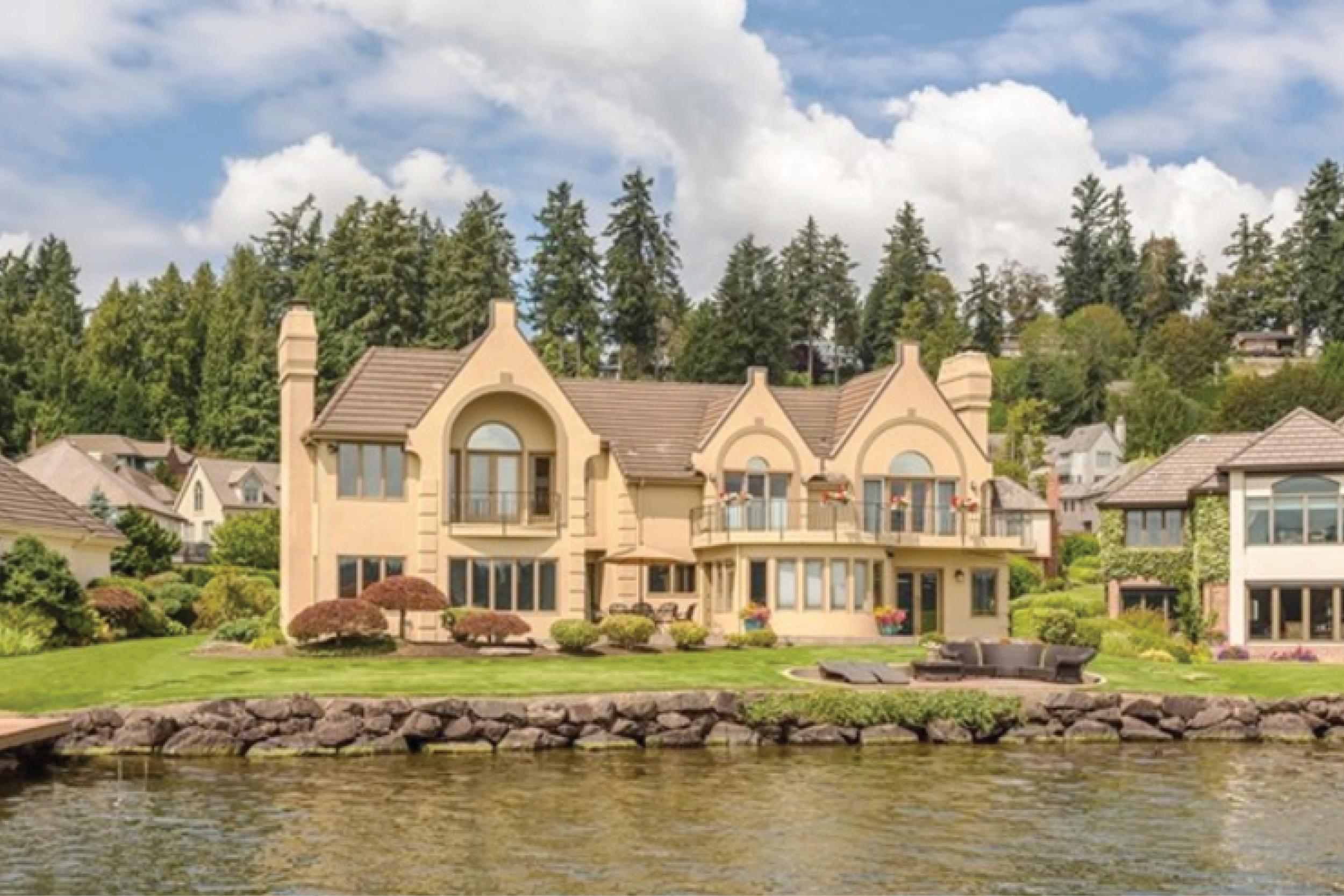 Kirkland   Sold for $3,375,000 January 2017