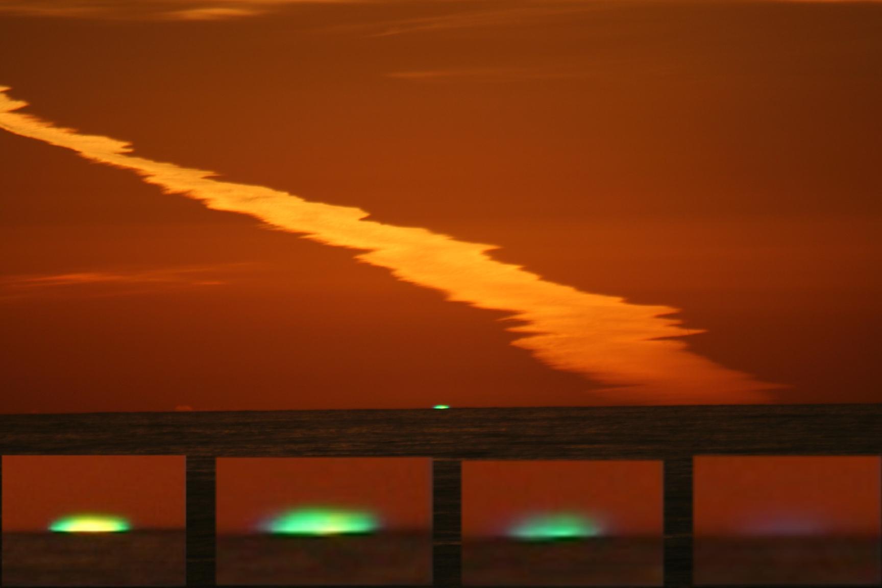 Green Flash at sunset. Image byBrocken Inaglory, via wikipedia.