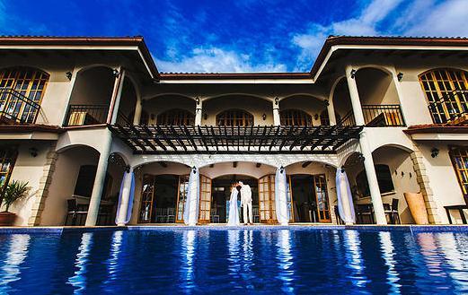 Hotel El Castillo pool side.jpg