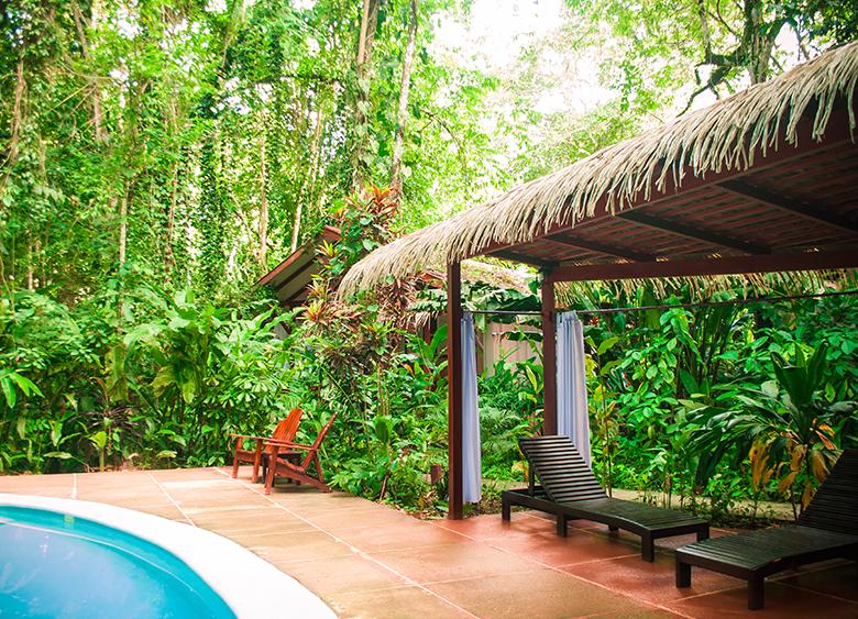 hotel-namuwoki-galeria-piscina1.jpg