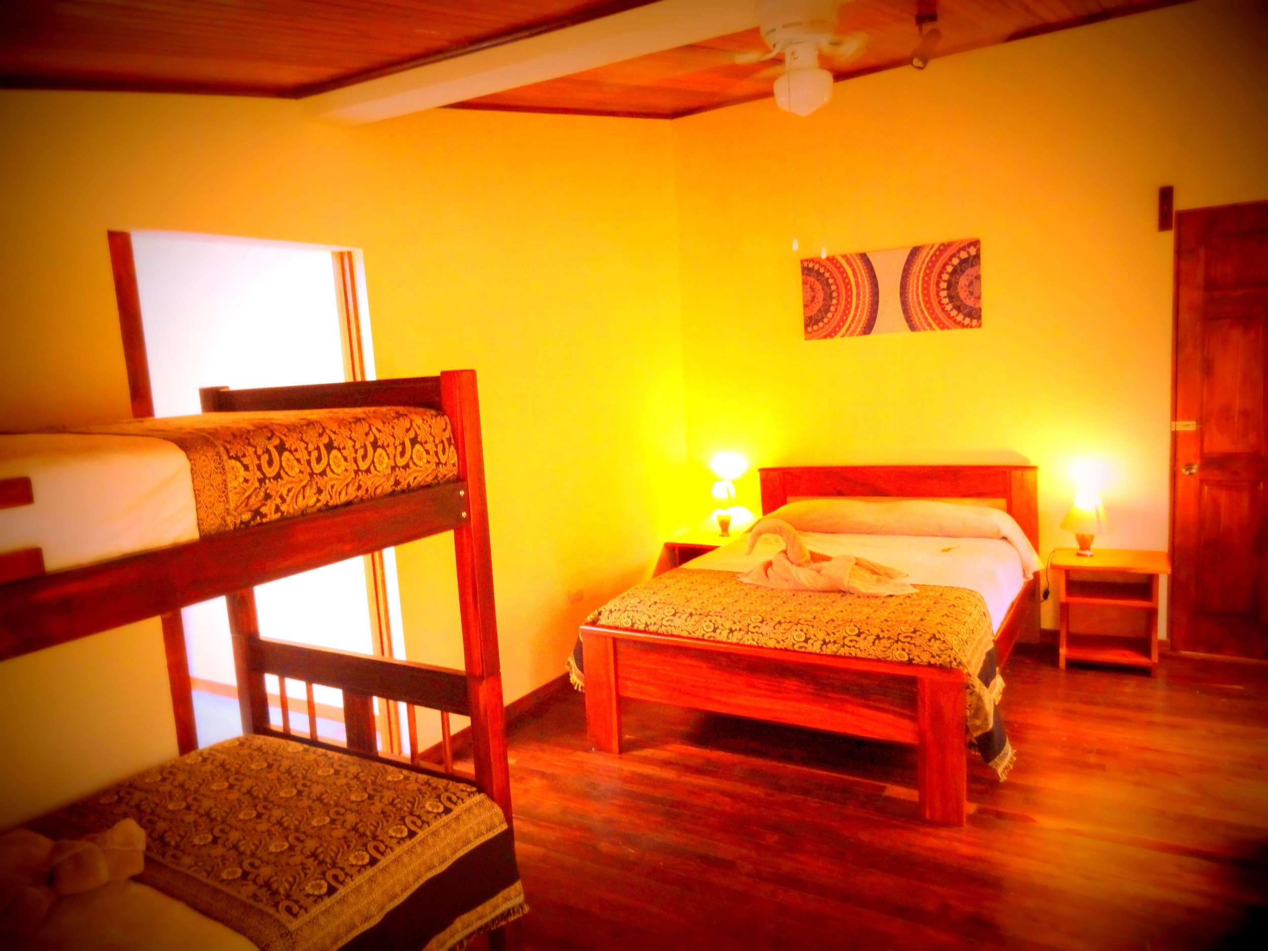room-tucan-02.jpg