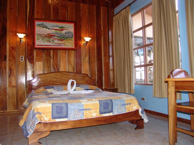 Hotel-Las-Orquidea_orquideasmonteverdecostarica.jpg