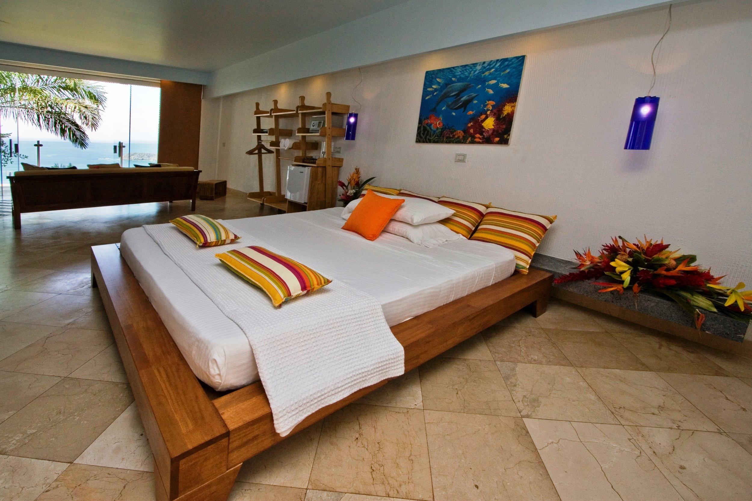 HOTEL MARIPOSA room.jpg