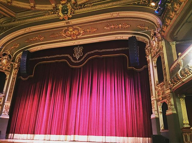 Teatro al medio día! Visit #costarica🇨🇷 #theatre #vacation