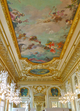 rafes-world-paris-3.jpg