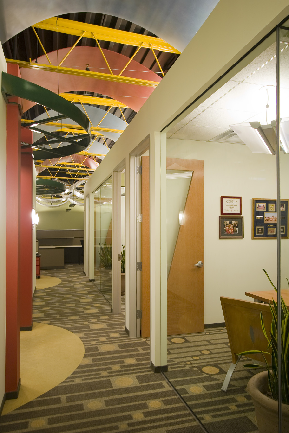 Hallway02.jpg