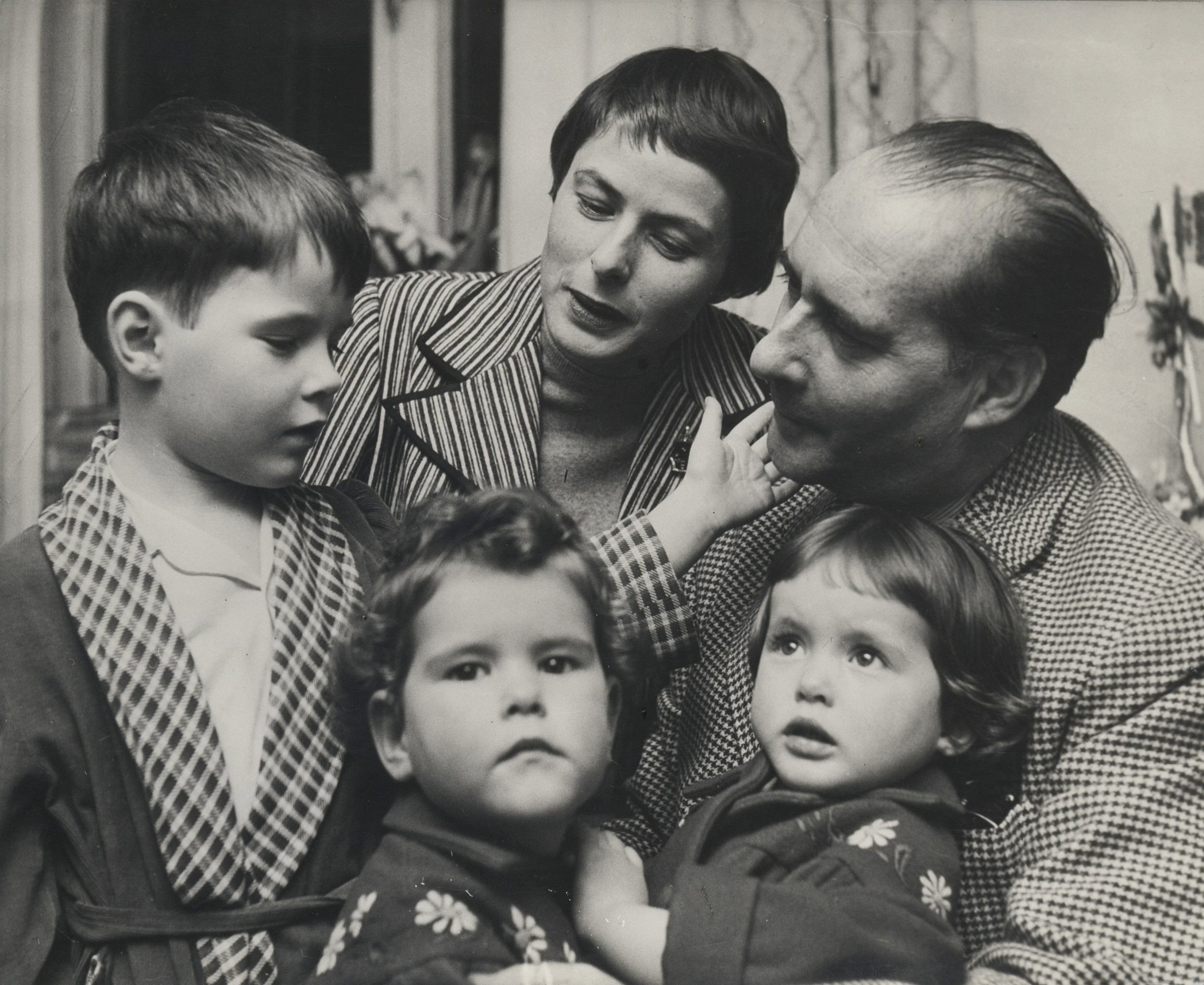 Ingrid Bergman and Roberto Rossellini with their three children, Roberto, Ingrid and Isabella.