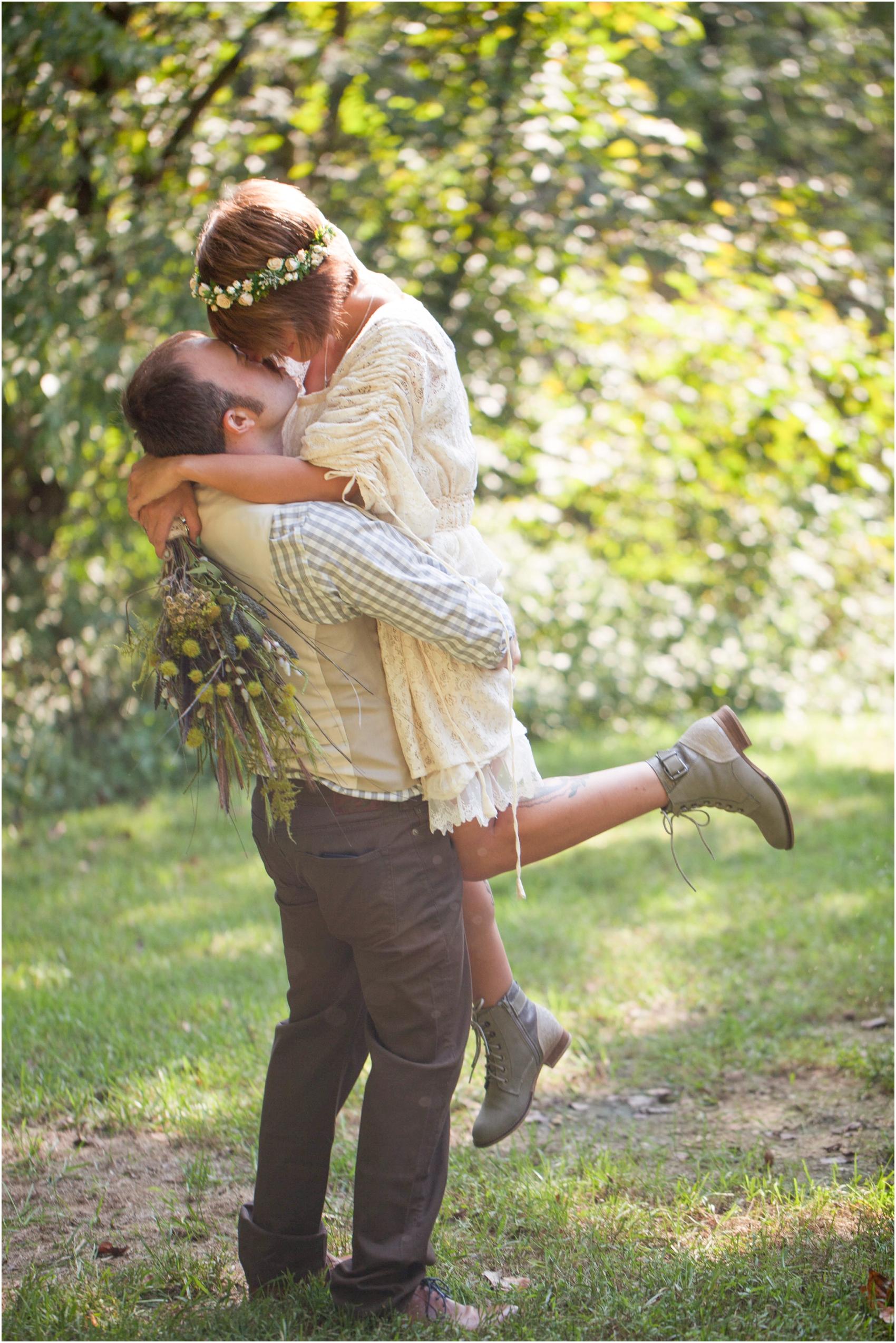 Southern-Illinois-Bohemian-Holy-Boulders-Autumn-Wedding_0918.jpg