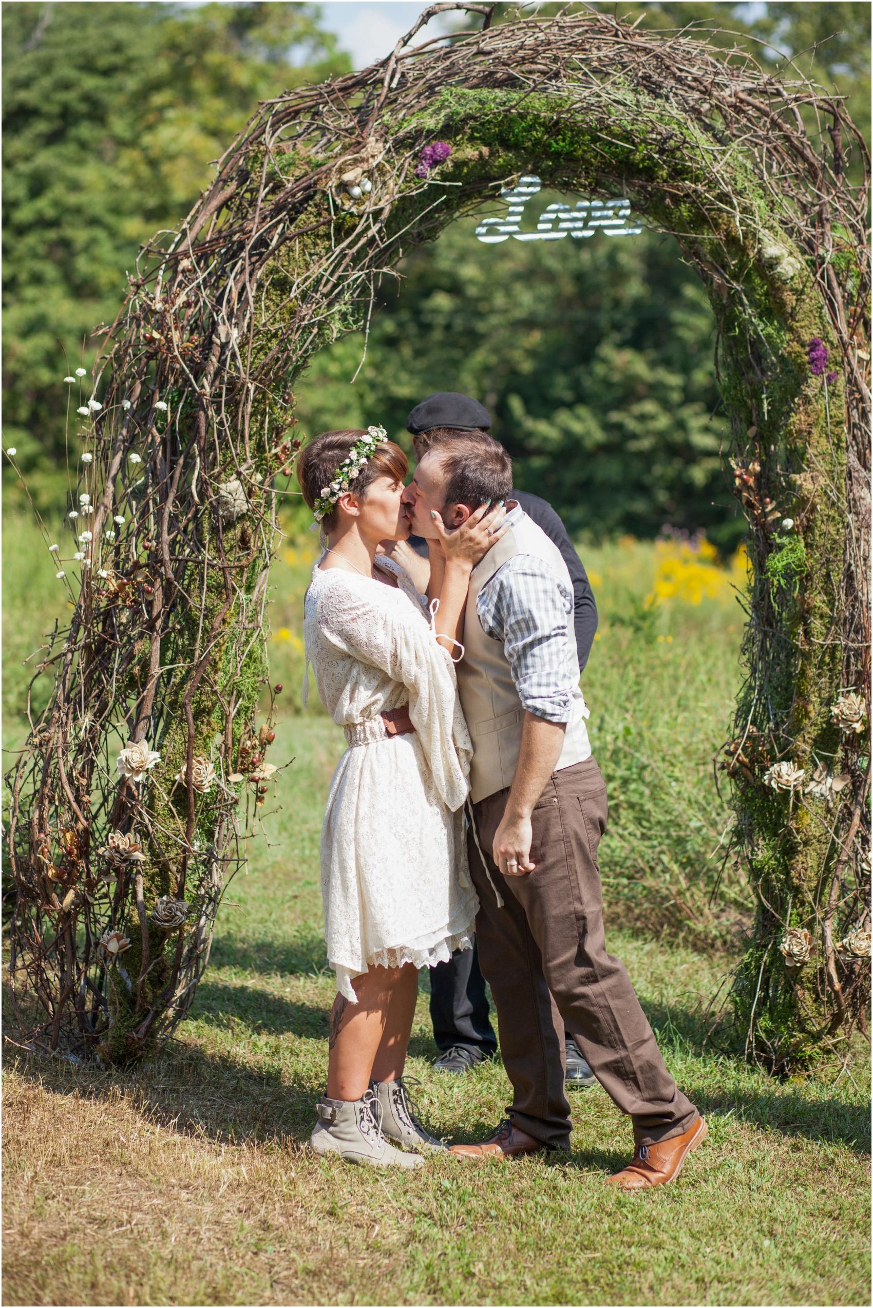 Southern-Illinois-Bohemian-Holy-Boulders-Autumn-Wedding_0963.jpg