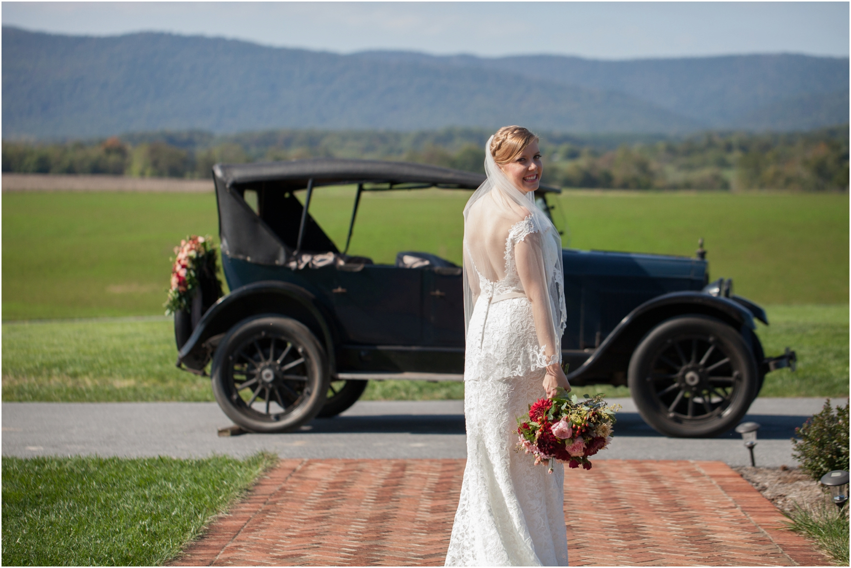 Columns-at-Six-Penny-Farm-Virginia-Fall-Wedding-8110.jpg