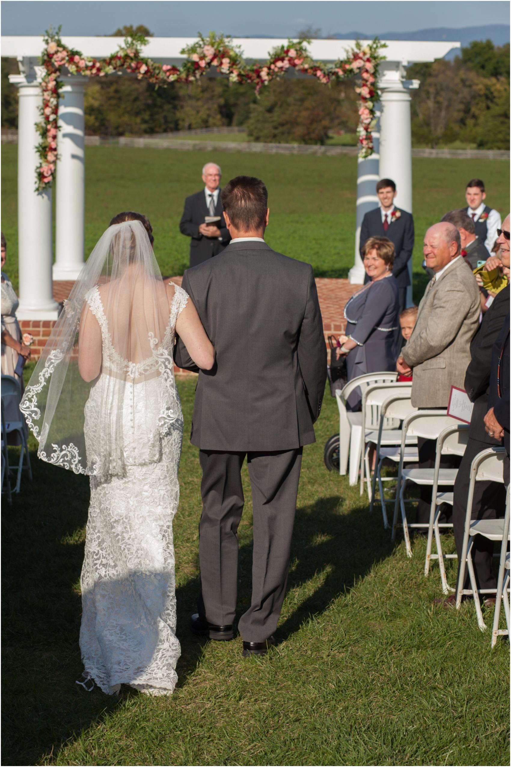 Columns-at-Six-Penny-Farm-Virginia-Fall-Wedding-8598.jpg