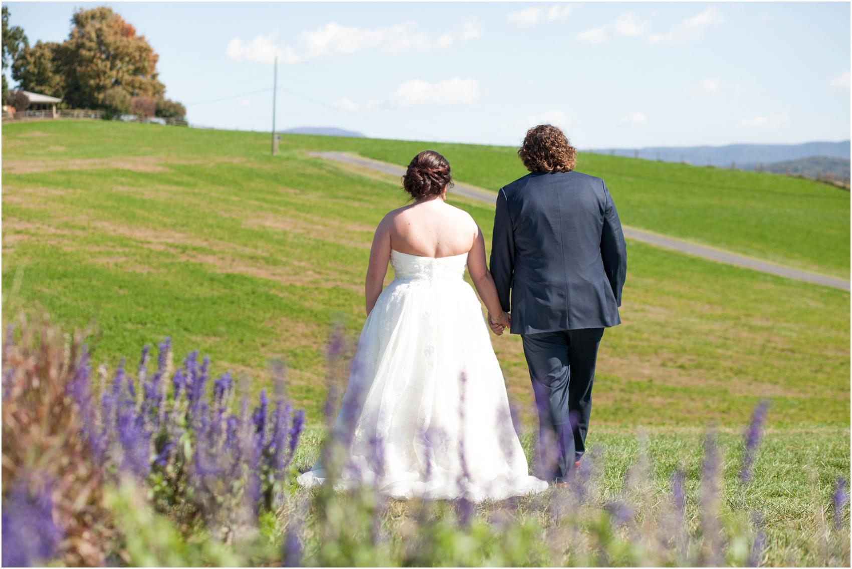 On-Sunny-Slope-Farm-Fall-Virginia-Wedding-2007.jpg