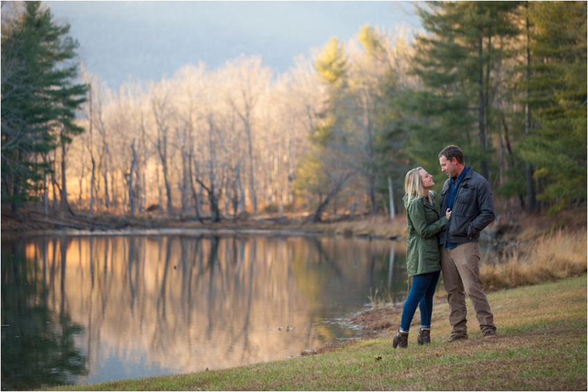 Montfair-Resort-Farm-Fall-Engagement-Session-0774.jpg