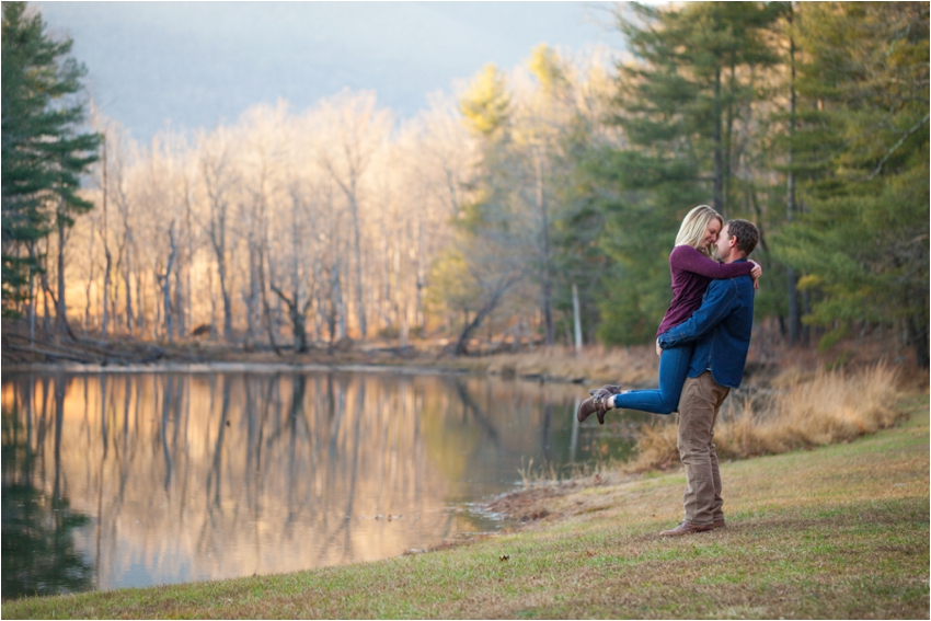 Montfair-Resort-Farm-Fall-Engagement-Session-0782.jpg