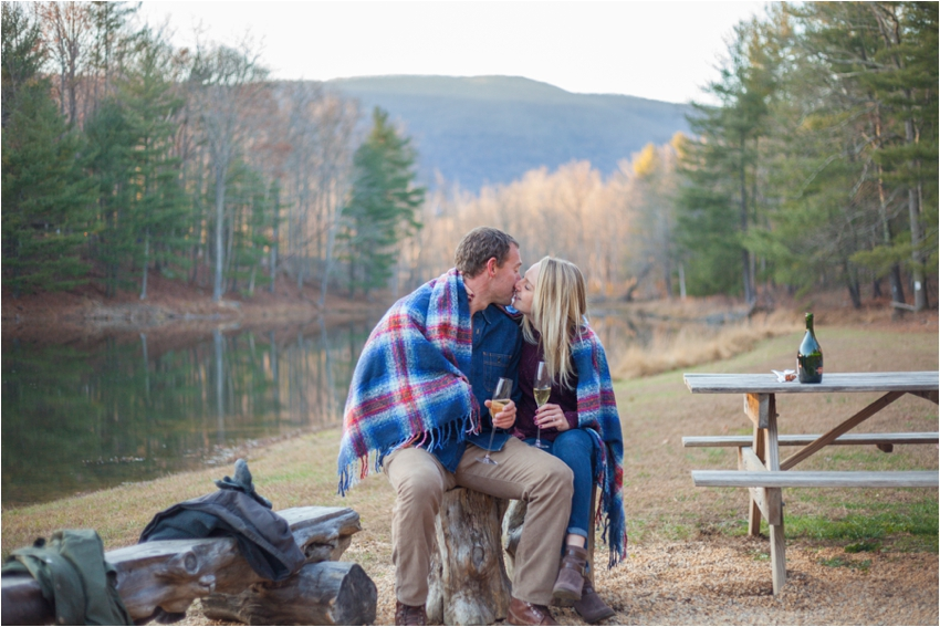 Montfair-Resort-Farm-Fall-Engagement-Session-0897.jpg