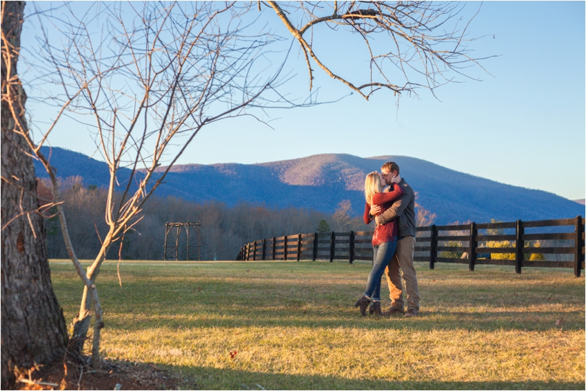 Montfair-Resort-Farm-Fall-Engagement-Session-0983.jpg