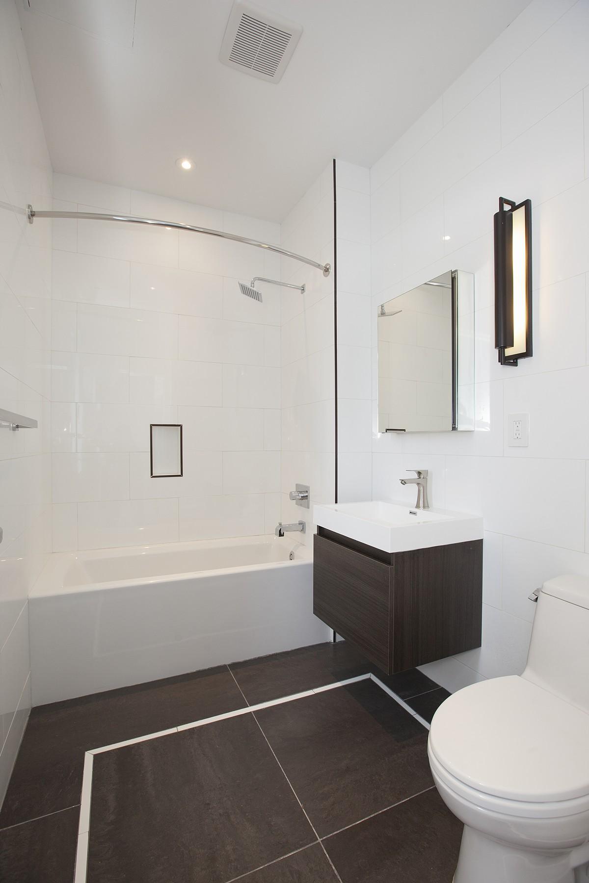 130_OrchardSt_51_Bathroom.jpg