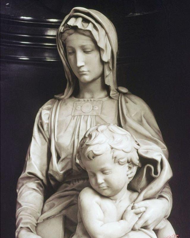 Madonna of Bruges by Michelangelo #brugsemadonna #michelangelobuonarotti