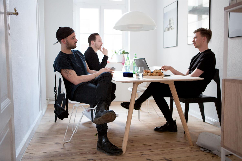 David Spinner,Anton Rahlwes, Christoph Steiger - Gründer von OBJEKTE UNSERER TAGE Foto: Anna Dorothea Ker für IGNANT