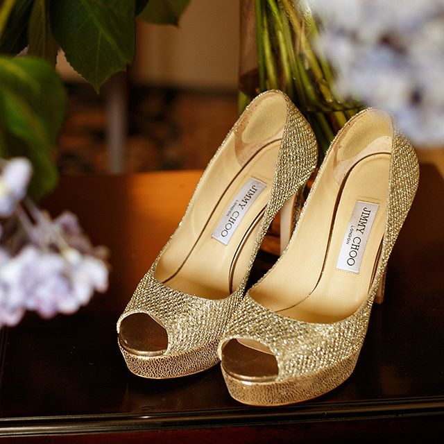 Gold, Sparkly goodness!  @washingtondukeinn @dukechapel #dukechapelwedding  #ncweddingphotographer #accessorytomarriage