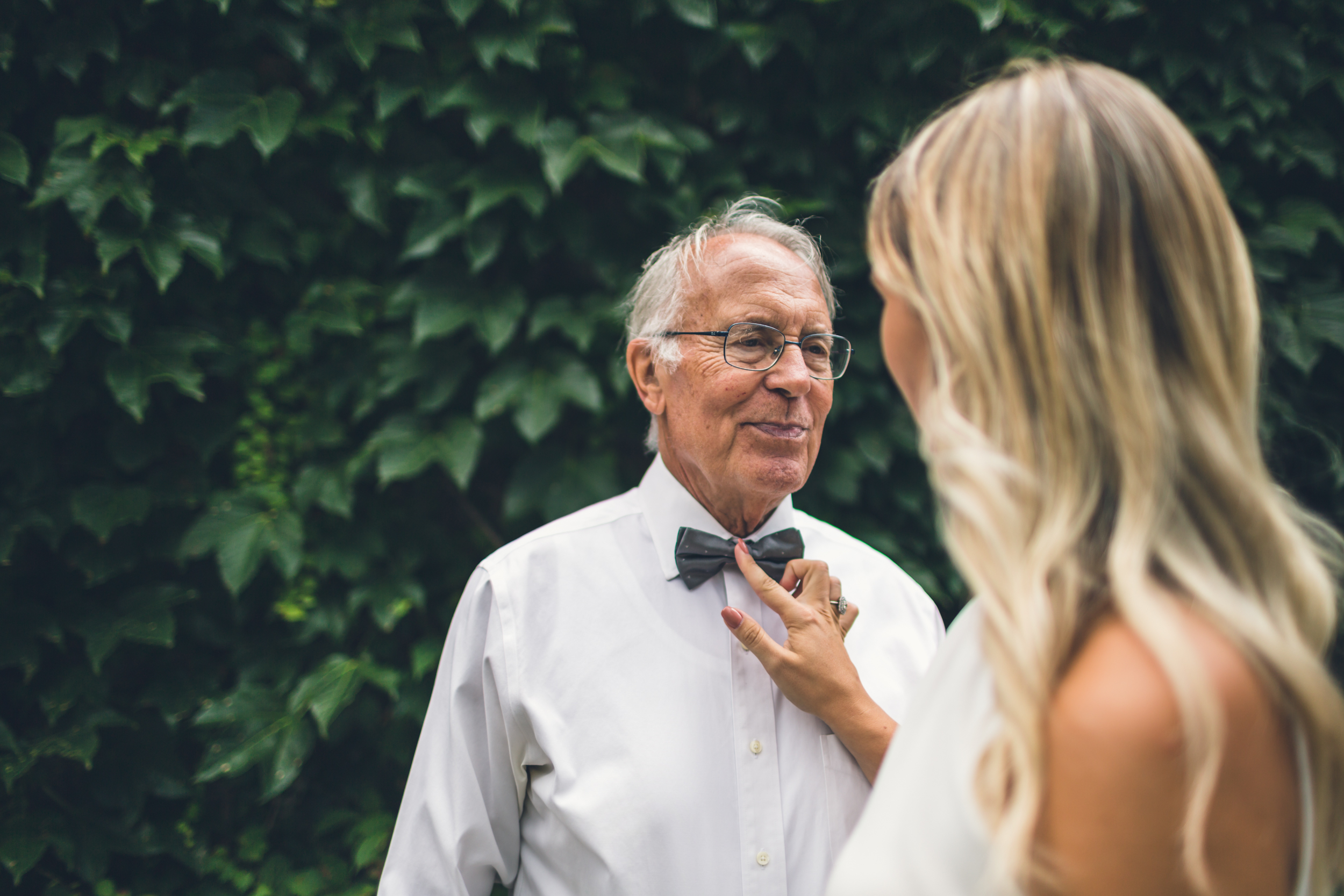bride-grandfather-moment.jpg