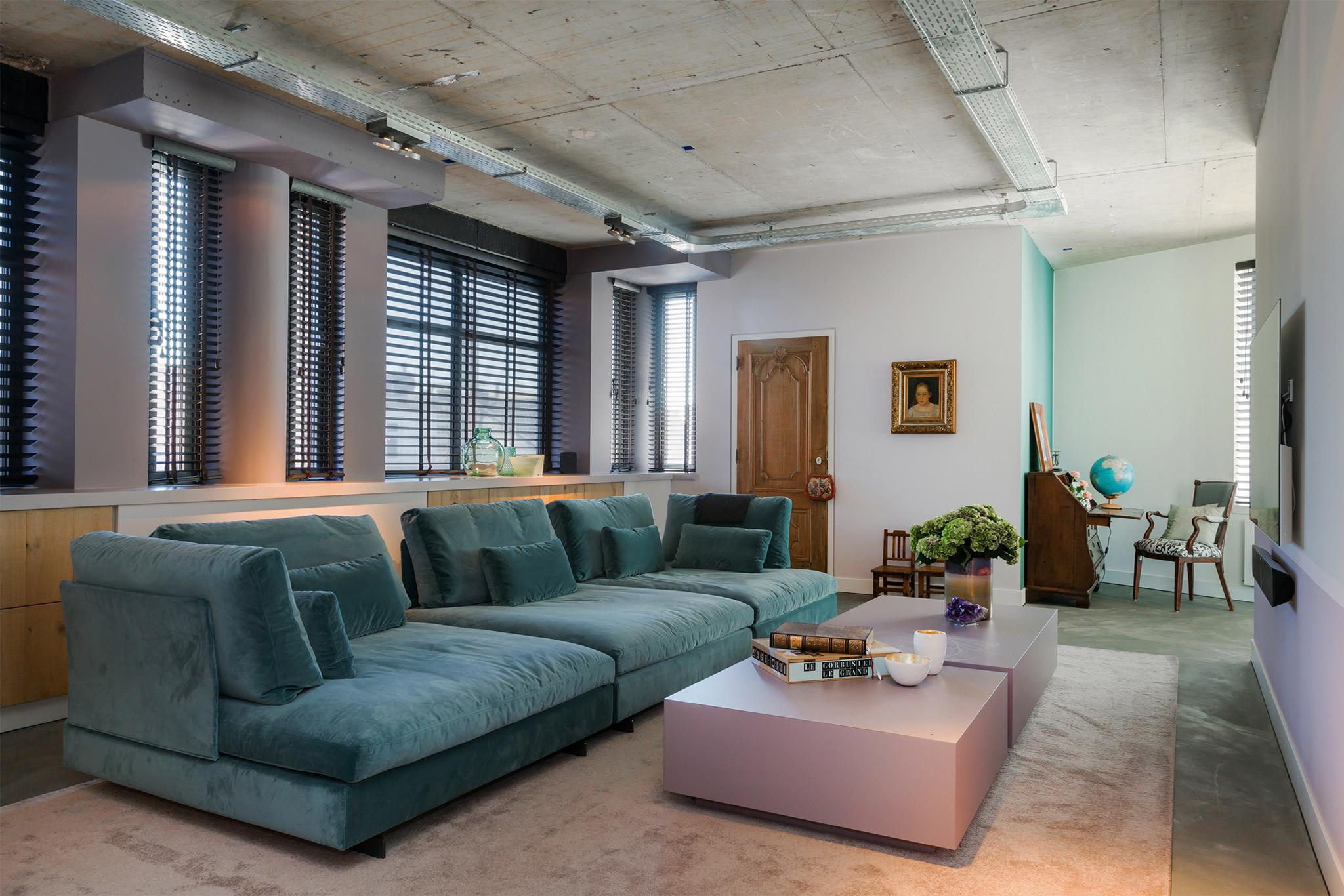 Lounge-met-grote-bank.jpg