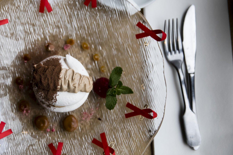 """Dessert spécial """"Chefs Solidaires"""" à la brasserie Le Sully (Paris). © Vincent Isoré"""
