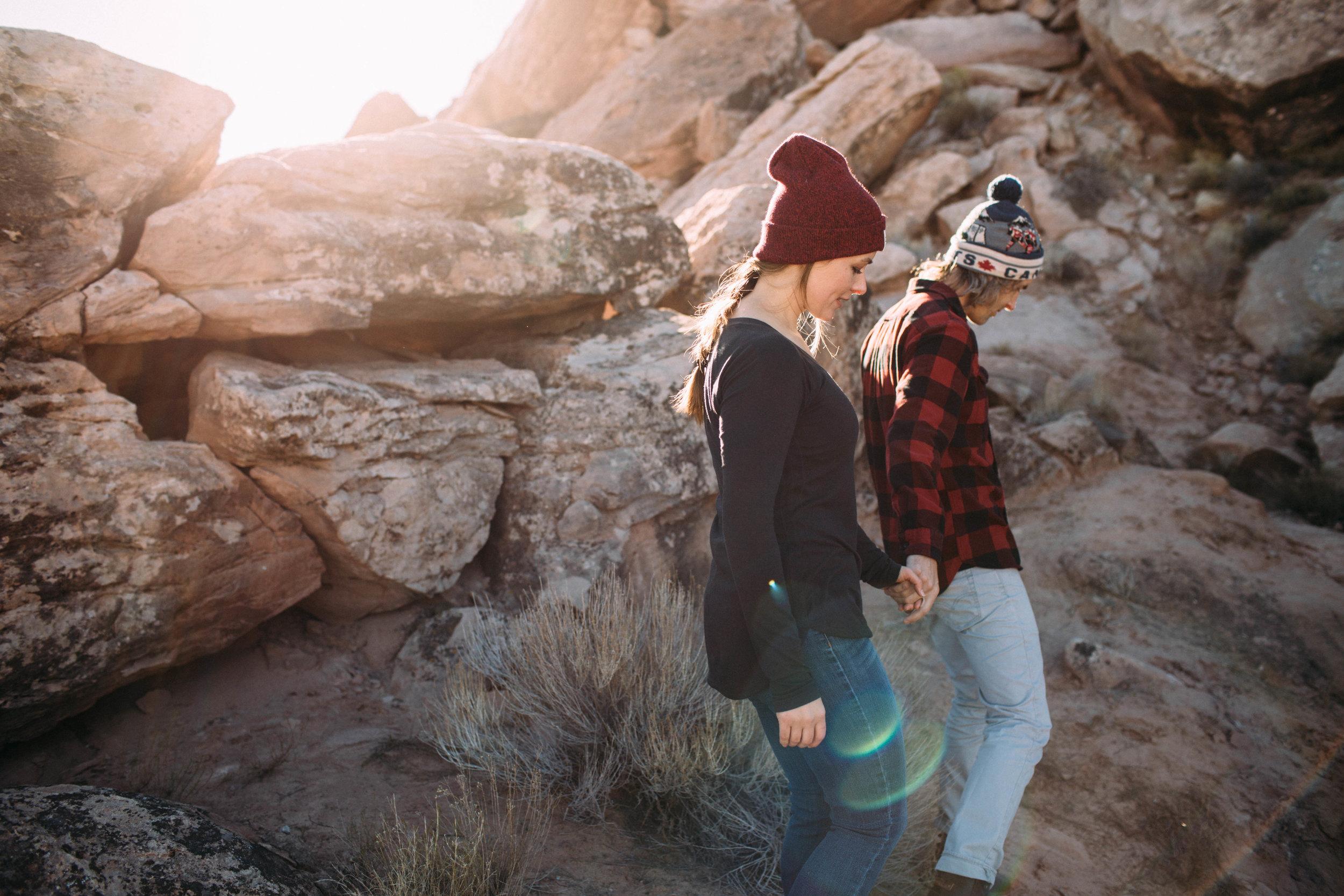 Beautiful-Outdoorsy-Engaged-Couple.jpg