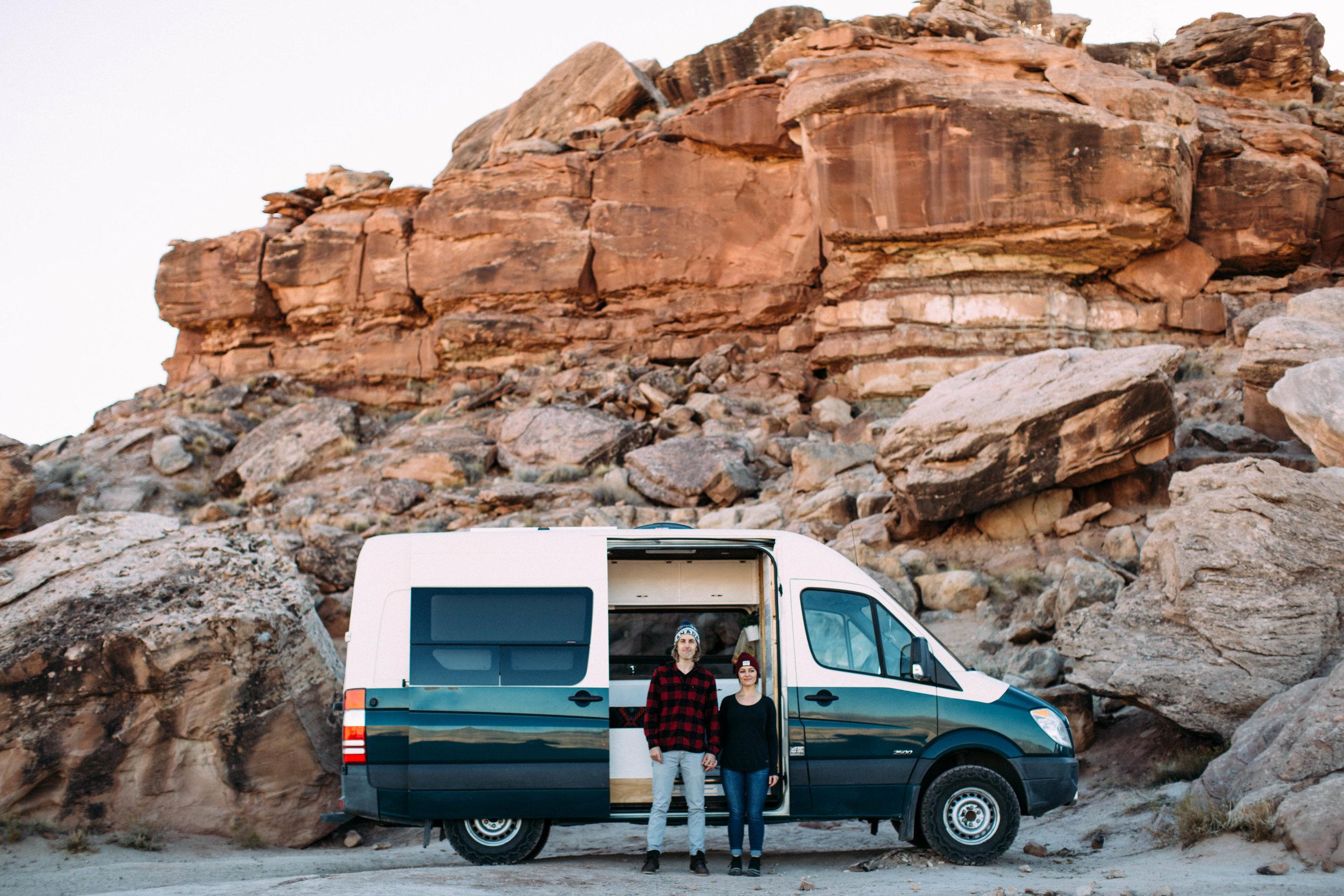 Cool-Vanlife-Utah-Couple.jpg