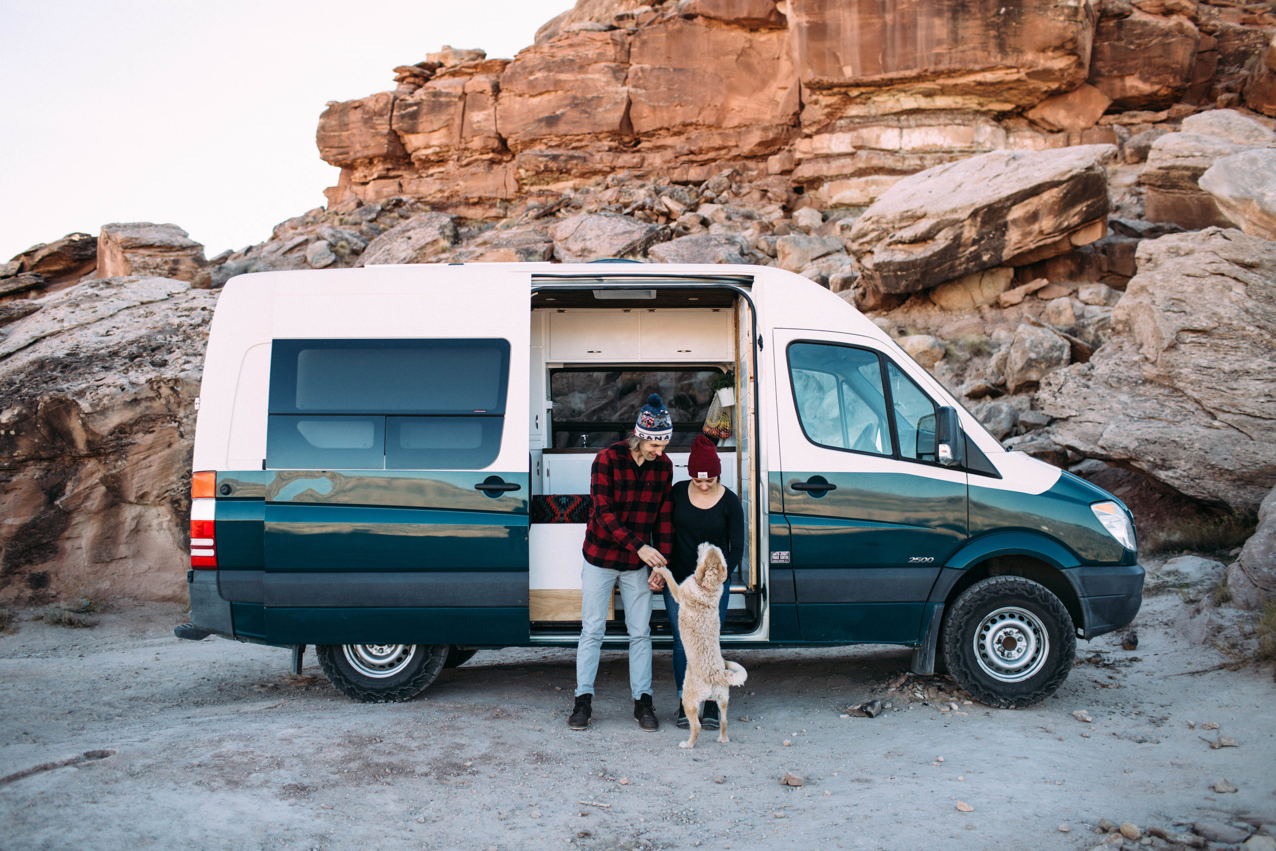 Moab-Utah-Engagement-Session-Vanlifers-Dog.jpg