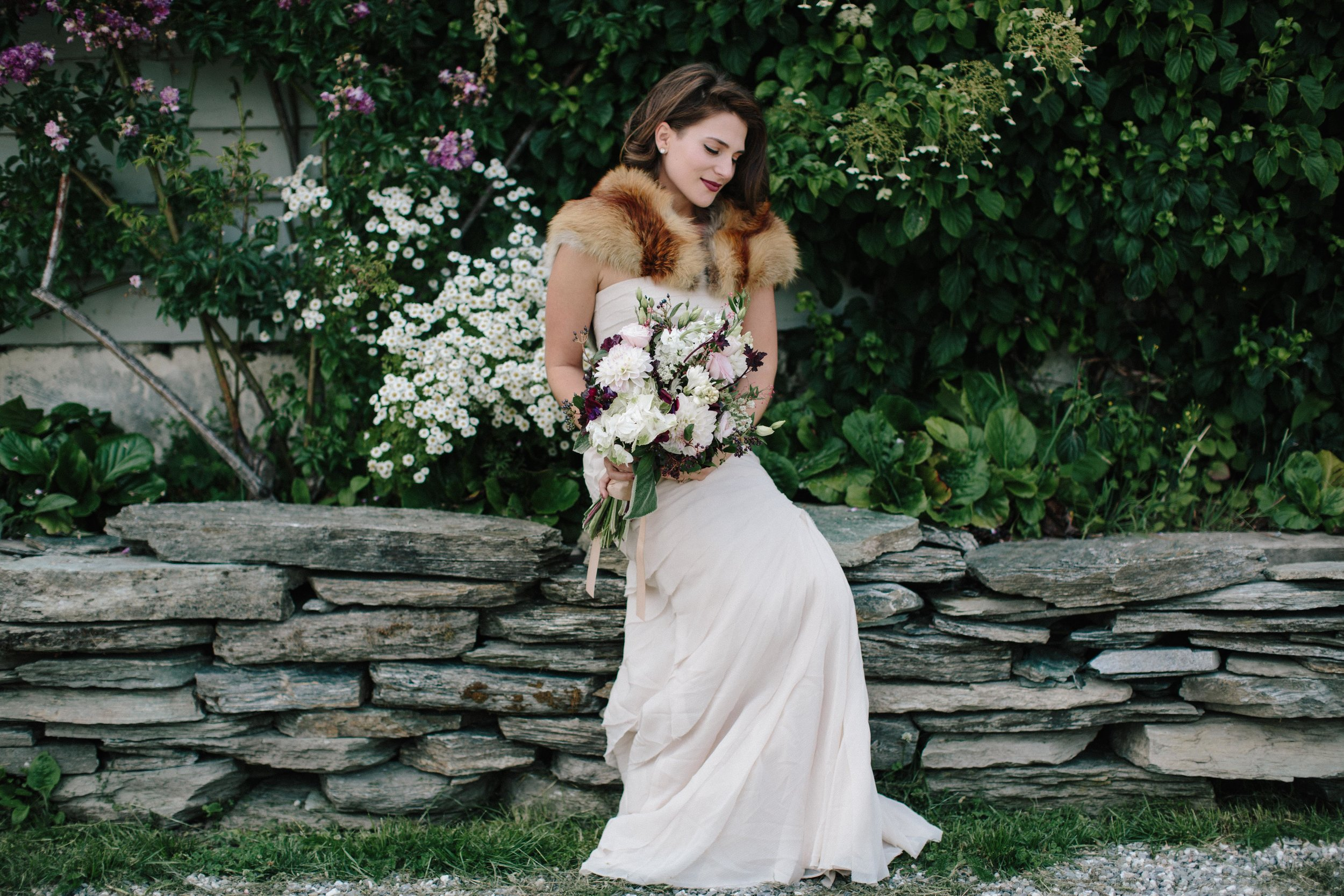 Beautiful-Bride-Cream-Wine-Bouquet.jpg